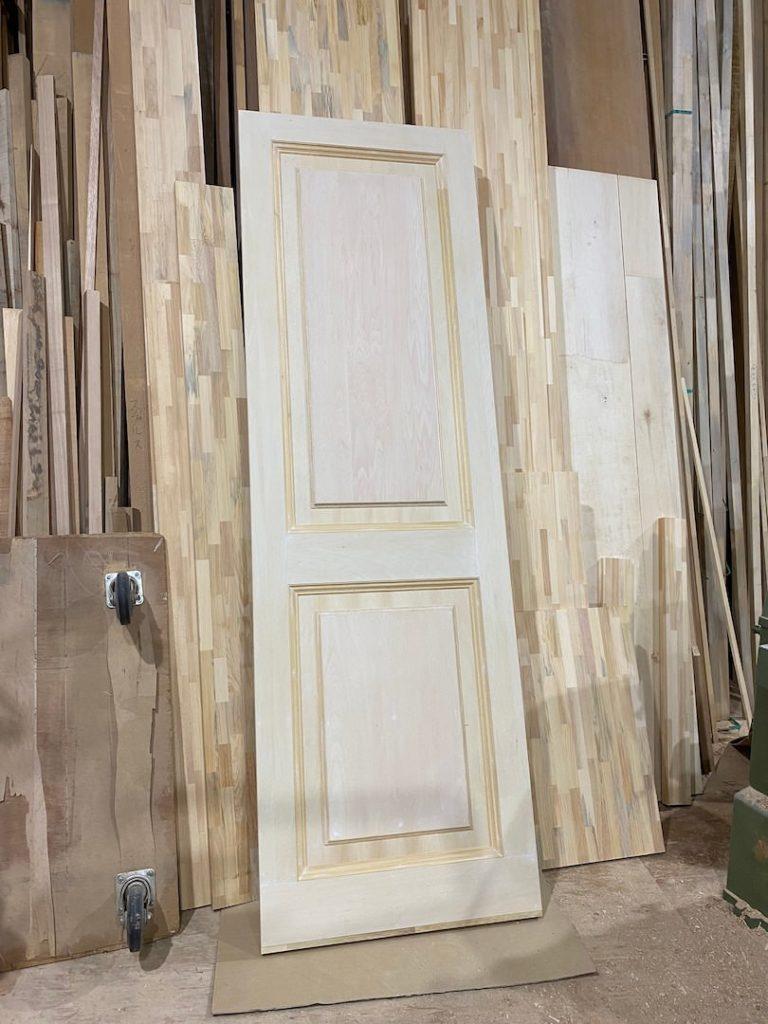 ドア風壁面パネル